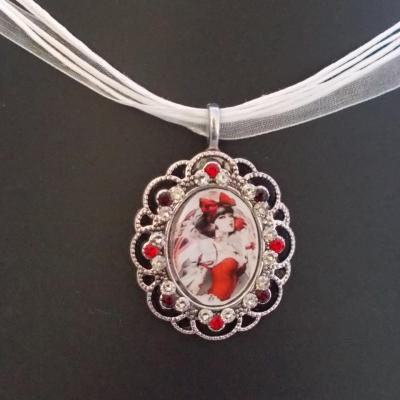"Collier ""Red snow"" crystal/light siam"