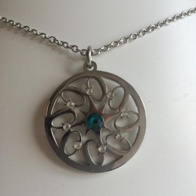 "Pendentif ""Fire wheel"" blue zircon/crystal"